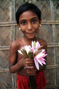 louts flowers in Bangladesh; a mini Gina!!! <3
