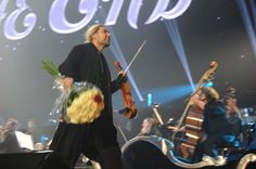 Rock Anthems Concert in Vienna David with his band and the Neue ...