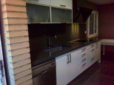 Vista frontal cocina Real