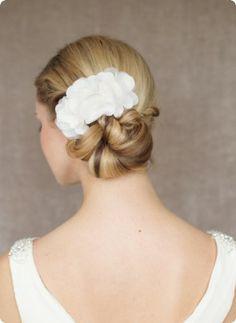 Silk Headpiece Valentine - www.bellejulie.de