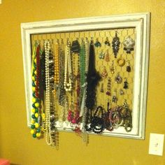 Jewelry frame made with chicken wire!!  Diy