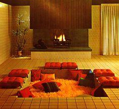 retro conversation pit and sunken living room Conversation Pit, Retro Interior Design, Sunken Living Room, Living Rooms, 1960s Living Room, Apartment Living, Living Spaces, 70s Home Decor, Vintage Decor