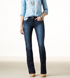 Find jeans for women in every fit and wash you'll love from American Eagle Outfitters. Choose from Jegging, Skinny, Artist, Favorite Boyfriend and more in light and dark washes from America's favorite denim brand. Womens White Jeans, Black Jeans Women, Best Jeans For Women, Black Ripped Jeans, Skinny Jeans, Cool Outfits, Casual Outfits, Amazing Outfits, Winter Outfits