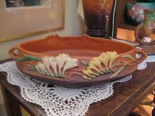 Roseville Freesia Console Bowl 466-10