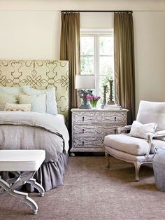 Old-world patinas, furniture profiles, and fabric patterns fashion elegantly appointed master bedrooms: http://www.bhg.com/rooms/bedroom/master-bedroom/master-bedroom-ideas/?socsrc=bhgpin032514focusyourattention&page=15