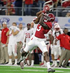 True freshman Calvin Ridley is going to earn a place in the Bama record books...wait and see!  Bama Vs Wisconsin Slideshow by stuartmcnair | Photobucket