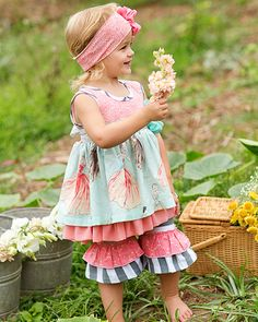One Good Thread L.L.C. offers Best Price Giggle Moon 2015 Kids Clothing Collection. SALE on Giggle Moon Dresses, Giggle Moon Leggings, Giggle Moon Skirts, Giggle Moon Headbands, Giggle Moon Ruffle Pants. For Giggle Moon Baby Clothes Discount and FREE Shipping in USA regions, Order Now!
