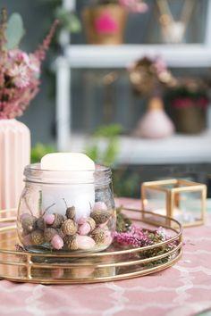 I love every season - (via Creative Garden) - Diy Fall Decor Fall Crafts, Diy And Crafts, Dyi, How To Preserve Flowers, Homemade Crafts, Fall Diy, Autumn Inspiration, Acorn, Xmas Gifts