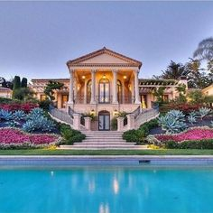 fancy houses dream homes mansions luxury Dream Mansion, Mega Mansions, Luxury Mansions, Mansions Homes, Luxury Pools, Luxury Cars, My Dream Home, Dream Homes, Exterior Design
