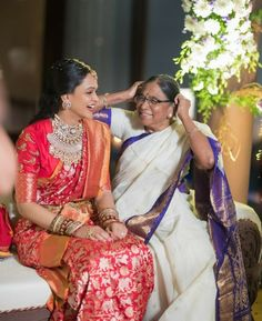 Pintrest :@achyi Sari Blouse Designs, Bridal Blouse Designs, Indian Bridal Sarees, Indian Beauty Saree, Indian Dresses, Indian Outfits, Indian Clothes, Frocks For Girls, Indian Designer Outfits
