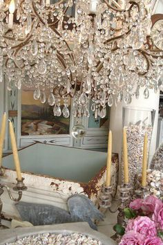 The Romantic Styles Of Shabby Chic And Paris Apartment