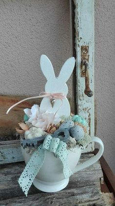 good little arrangement to put in an easter cone Hoppy Easter, Easter Bunny, Easter Eggs, Egg Crafts, Easter Crafts, Easter Projects, Spring Projects, Spring Crafts, Holiday Crafts