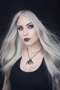Model: Silverrr Photo: Aneta Pawska - Enchanted Stories Jewellery: Trickery