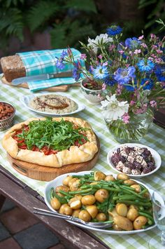 A feast for a crowd with tomato crostata and roasted leg of lamb
