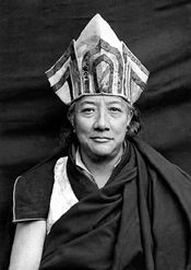 """""""The wind blows through the sky and flies over continents without settling anywhere. It traverses space and leaves no trace. Thus should thoughts pass through our minds, leaving no karmic residues and not altering our realization of fundamental simplicity."""" ~ H.H. Dilgo Khyentse Rinpoche ..*"""
