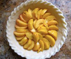 This custard peach pie recipe is the best peach pie recipe you'll ever make. Best Peach Pie Recipe, Peach Pie Recipes, Peach Custard Pies, Custard Cake, Pie Dessert, Dessert Recipes, Cake Recipes, Delicious Fruit, Yummy Food