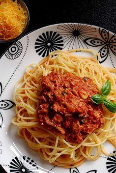 Trufla: Tunczyk. Pomidor. Makaron.