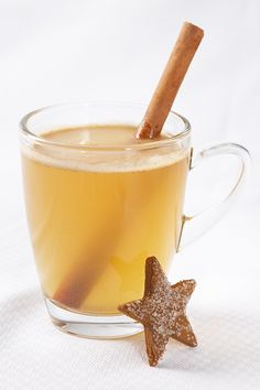 A festive winter warmer made with real butter and rum. Easy Thanksgiving Recipes, Fall Recipes, Real Food Recipes, Epicure Steamer, Epicure Recipes, Hot Buttered Rum, Iced Tea Recipes, Steamer Recipes, Fast Healthy Meals