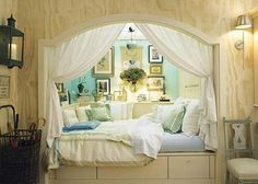 A few bigger pillows and different colors and this would be the perfect alcove bed for my new room! Alcove Bed, Bed Nook, Bedroom Nook, Cozy Nook, Design Bedroom, Bedroom Decor, Cozy Corner, Master Bedroom, Wall Nook