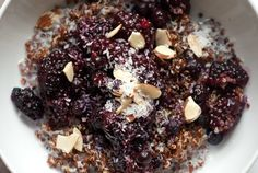 Despite its Most Popular Superfood status, quinoa may not be the first thing you think of between your shower and shave. But after cooking up just one of these delicious, high-protein recipes, you'll be left wishing you had thought of it sooner. Quinoa Breakfast, Breakfast Recipes, Breakfast Ideas, Quinoa Cookies, Other Recipes, Gf Recipes, Diabetic Recipes, Free Recipes, Sans Gluten