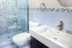 Seaside Themed Bathroom Design Ideas, Pictures, Remodel, and Decor