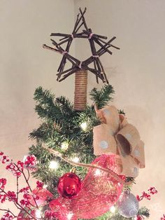 Hometalk :: How to make a twig tree topper, burlap bows, and ornaments