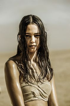 COURTNEY EATON as Cheedo the Fragile in Warner Bros Pictures and Village Roadshow Pictures action adventure MAD MAX FURY ROAD a Warner Bros Pictures release Credit Jasin Boland  2015 WV FILMS IV LLC AND RATPACDUNE ENTERTAINMENT LLC  US CANADA BAHAMAS  BERMUDA  2015 VILLAGE ROADSHOW FILMS BVI LIMITED  ALL OTHER TERRITORIES