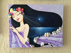SONHAR… Tela em MDF, 40 x 50 cm, pintura com tinta PVA, detalhes com flores de crochet, peças de resina e conchas do mar.