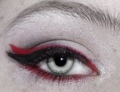 supernatural gothic eye make up
