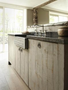 Simple and inexpensive kitchen models - Kitchens are spaces that may often be forgotten when we carry out changes in […] Old Kitchen, Rustic Kitchen, Country Kitchen, Kitchen Dining, Kitchen Decor, Wooden Kitchen, Kitchen Interior, Interior Design Living Room, Kitchen Models