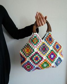 Reserved for tuffcookie Crochet granny square bag di knittingcate Love Crochet, Hand Crochet, Knit Crochet, Crochet Handbags, Crochet Purses, Crochet Bags, Crochet Squares, Crochet Granny, Granny Square Bag