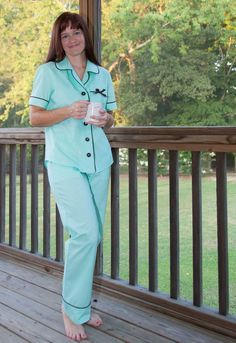 Super Online Sewing Match II: Round Four Showcase of Carolyn Pajamas | Sew Mama Sew | Outstanding sewing, quilting, and needlework tutorials since 2005.