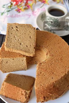 Bake for Happy Kids: Ultra Silky Smooth Spongy Coffee Milk Chiffon Cake. Coffee Chiffon Cake Recipe, Chocolate Chiffon Cake, Mocha Cake, Food Cakes, Cupcake Cakes, Cupcakes, Cake Cookies, Chocolate Lasagne, Desserts
