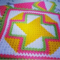 This Pin was discovered by Fat Puff Stitch Crochet, Crochet Quilt, Crochet Blocks, Easy Crochet Patterns, Crochet Shawl, Knit Crochet, Yarn Crafts, Diy And Crafts, Teapot Cover