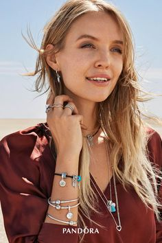Make your style pop à la blogger Leonie Hanne with our new festival-inspired sterling silver jewellery – necklaces, bracelets, charms, rings, chokers and earrings. Radiate positive energy with vibrant stones and express your free spirit with feather-inspired details. Available PANDORA stores and online now - some pieces are only available this season.