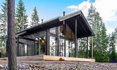 This modern log home in Finland is heated by the earth. This log villa in Finland can withstand harsh winters and temperatures down to -30°C (-22°F) using geothermal energy for heat