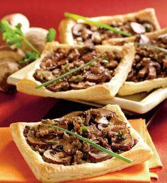 mini-tarte-cu-ciuperci Cooking App, Vegan Recipes, Vegan Food, Cheesesteak, Food And Drink, Ethnic Recipes, Ideas, Mariana, Pie