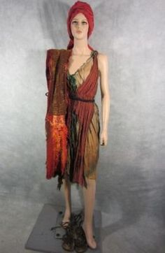 SPARTACUS FEMALE REBEL SCREEN WORN COSTUME W  TURBAN EP 309 COA (05 17 2013) 30afaa7fcbc