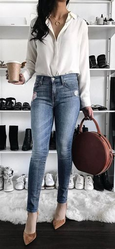 simple outfit: shirt + bag + skinny jeans + heels