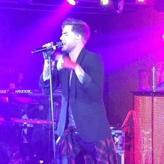 @adamlambert is freaking amazing! #novasredroomglobaltour