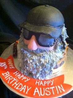 AWESOME!!!  Duck Dynasty Cake!