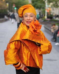At 78 Lynn Dell,The Countess of Glamour, looks and feels better than ever. Lynn is the owner of Off Broadway Boutique