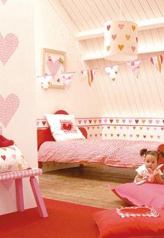 Hartjes #kinderkamer met roze en rood | Hearts #kidsroom with red and pink