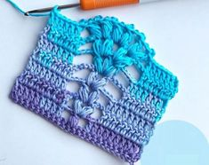 Hello everybody, If you are searching for an easy and beautiful crochet stitch tutorial, here is something you are going to love for sure. This is a sample of gorgeous crochet stitch you can use in any of your crochet projects. Crochet Slippers, Crochet Hats, Crochet Snail, Crochet Hedgehog, Crochet Jacket, Crochet Granny, Easy Crochet Stitches, Crochet Patterns, Crochet Hat Tutorial