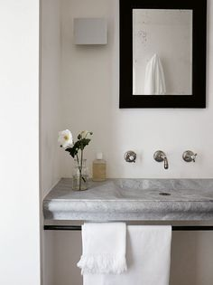 Neutral Home Decor At Home With Chrissie Rucker, Founder of the White Company - Luxury Pool House Photos The White Company, Pool Bathroom, Bathroom Ideas, Shiplap Bathroom, Neutral, Home Decor Pictures, Elle Decor, Decoration, Decor Diy