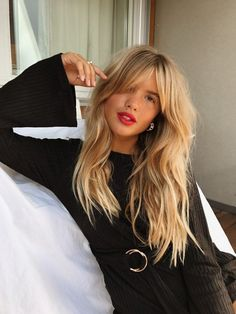 Just Perfect 40+ Bangs Hairstyle For Women That Can Make You Look Adorable https://www.tukuoke.com/40-bangs-hairstyle-for-women-that-can-make-you-look-adorable-10310