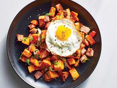 Wednesday: Ham and Sweet Potato Hash | If you like having a healthy meal plan but want something customized to your dietary or caloric needs, check out The Cooking Light Diet. It's a calorie-driven weekly meal plan—breakfast, lunch, snacks, and dinner—based on your dieting goals and food preferences. Look for one on a newsstands to find more delicious dinner inspiration.
