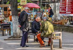 people. telling. stories...#men #playing #chess on the streets of #chisinau! #moldowa #moldawien #games #people #colorful #europe #weekendtrip #citytrip #travel #traveling #weitweitweg #travelstoke #instatravel #wanderlust #ig_chisinau #backpacking #insta