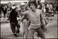 vintage everyday: 25 Black & White Photos Show Candid Moments of The Rolling Stones Fans in 1978