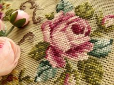 """Vtg 40"""" PREWORKED Needlepoint Canvas *Cottage SHABBY PINK Roses* Bench Cover Rug"""